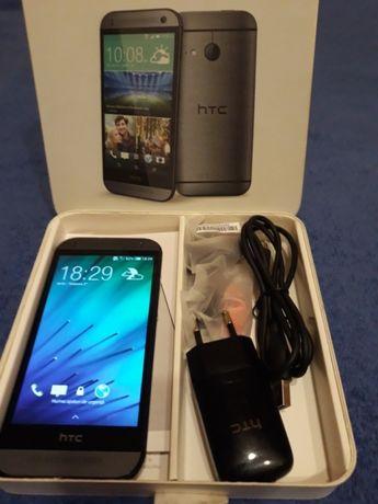 Vand htc one mini 2 / 16 gb / are camera foto defectă