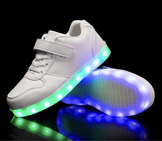 Новые светящиеся детские кроссовки