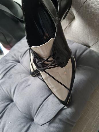 Vand pantofi femei