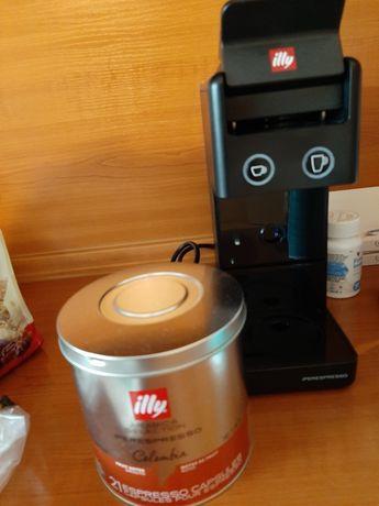 Кафе машина illy