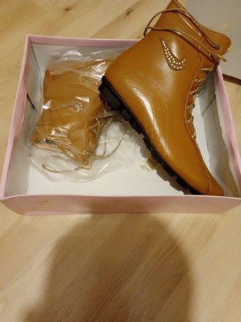 Нови преоценени дамски обувки