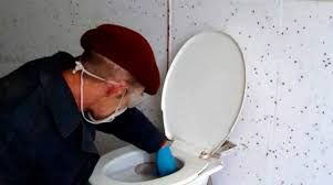 Прочистка унитаза, ванн, недорого  сантехник , прочистка канализации