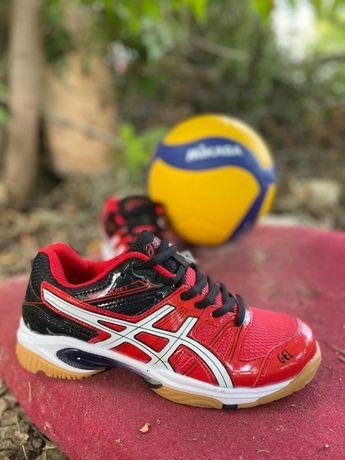 Продам волейбольные кроссы asics