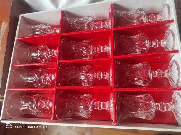 Продам стаканы под сок