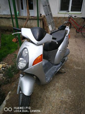 Скутер Хонда 125cc