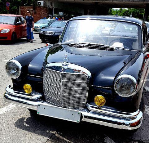 Ретро кола - автомобил под наем за сватби