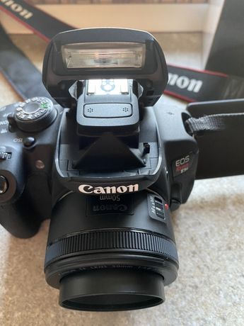 Canon EOS Rebel T5i / 700D