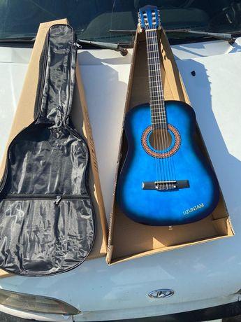 Гитара с чехлом Акустическая