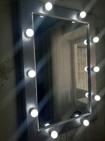 Продам зеркало с подсветкой