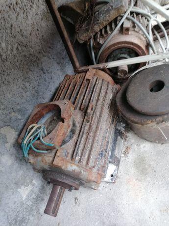 Motor gater 7.5kw 750lei/buc