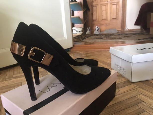 Продам туфли Lamania