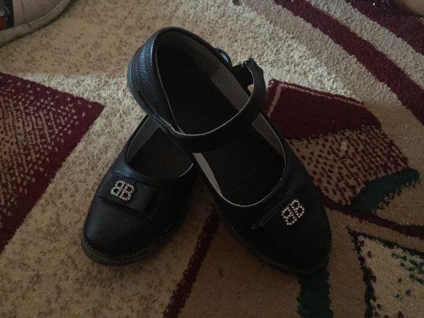 Продам туфли р32