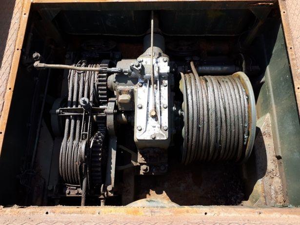 Troliu mecanic