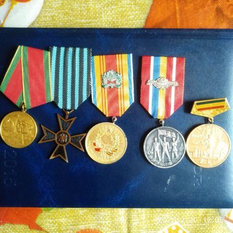 Lot medalii , decoratii
