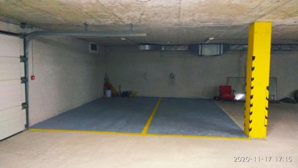 Дават се под наем две паркоместа в подземен гараж