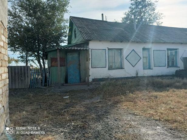 Продам дом в с.Первомайский,Алтынсаринский район,  имеется баня.
