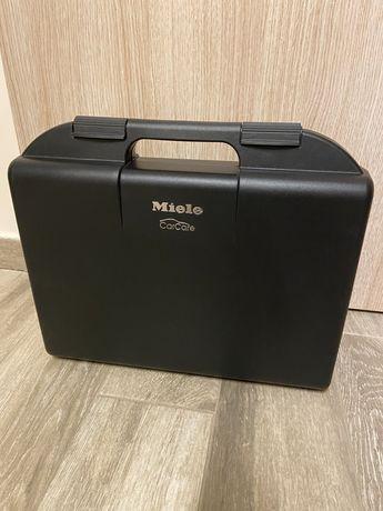 Куфар с аксесоари Miele