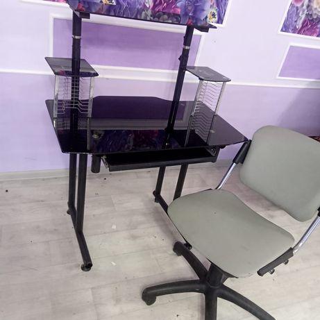 Компьютерный стол с кожаным креслом за 10 тыс тг