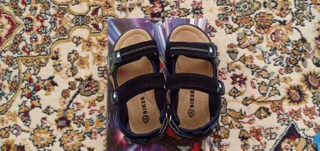 Продается детская обувь, производство Турция, качество отличное.
