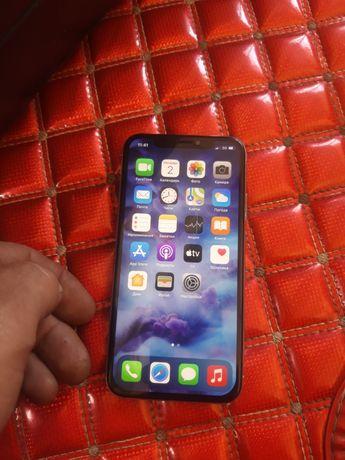 iPhone x 10 продам документы имеются наушники,только зарядки нет.