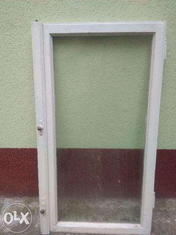geamuri cu rama din lemn si manere de alama!!