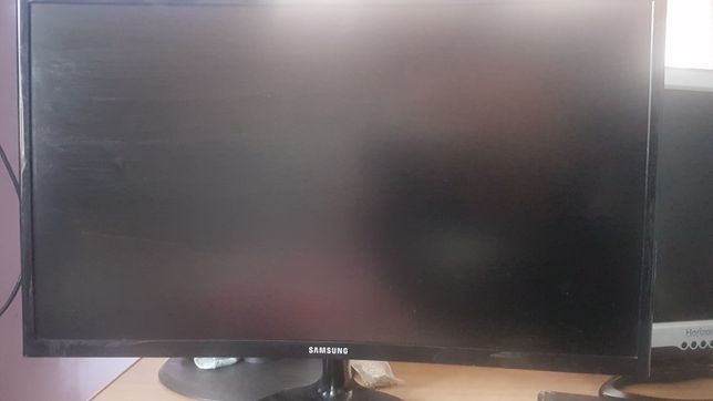 Monitor Samsung Curbat 24' Nou