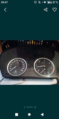 Ceasuri bord E60