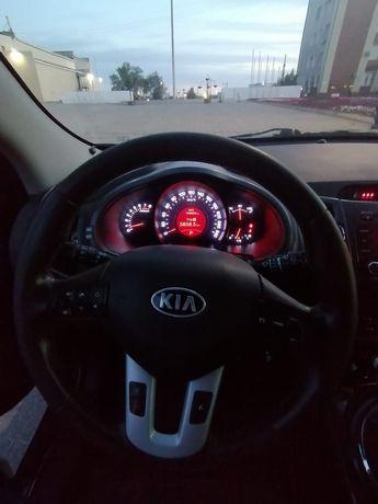 Продам автомобиль 2010 года