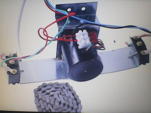 Мотор за инкубатор