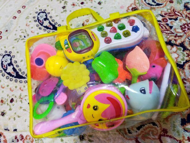 Детский игрушки погремушки