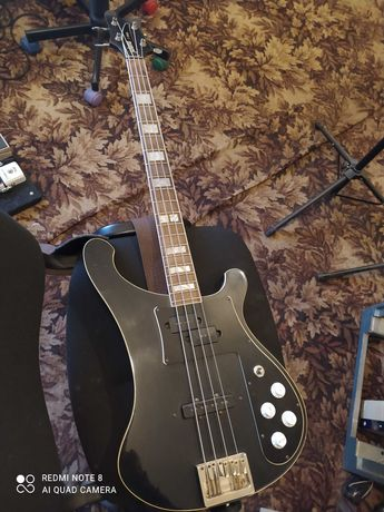 Бас-гитара Jolana D-bass,в достойном состоянии.