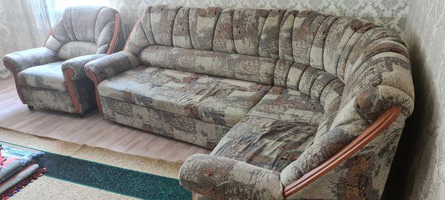 Продам уголок (диван+кресло)