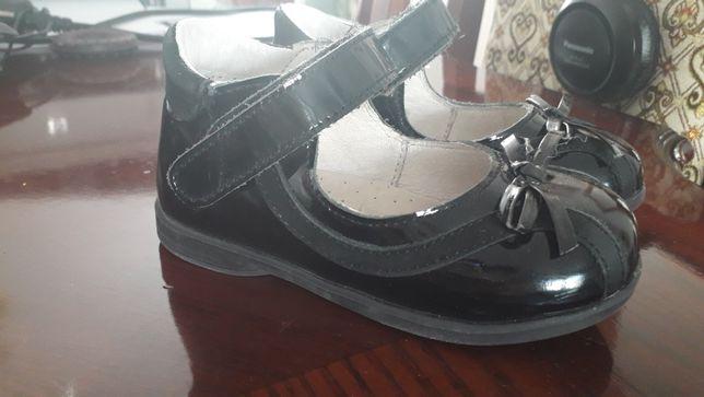 Туфли лаковые девочки