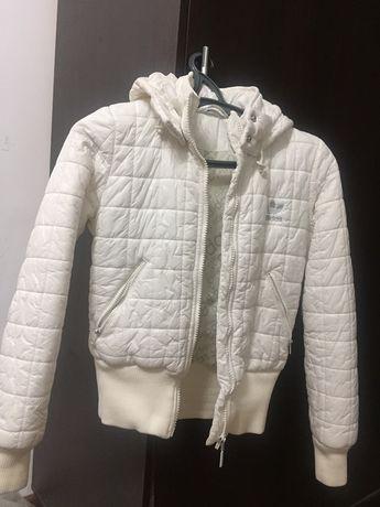 Осенняя куртка adidas