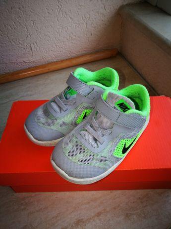Детски спортни обувки/маратонки Nike
