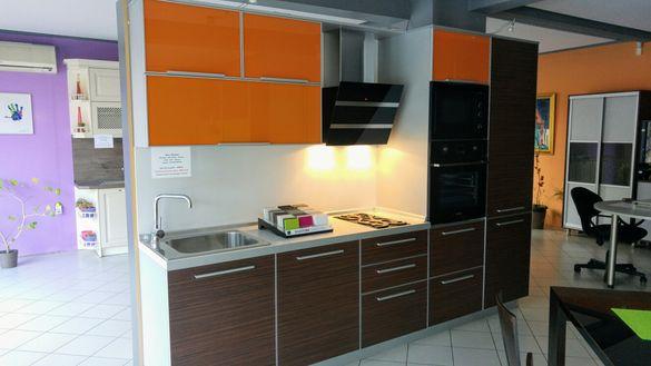 Кухня с размери 300×60×218см