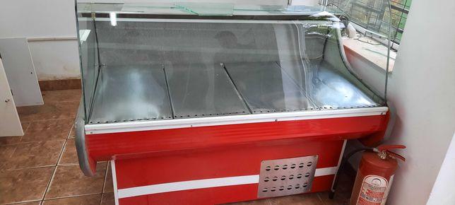URGENTVând vitrina frigorifica orizontala