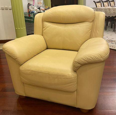 Диван и два кресла Швеция