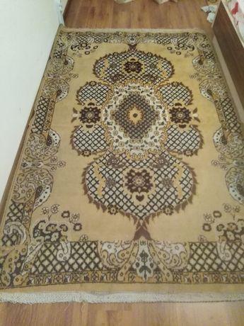 Персииски килим