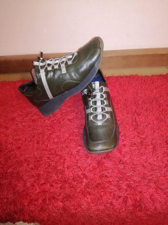 Vând pantofi dama piele naturală model sport mar.39