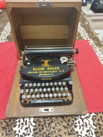 Vând mașină de scris Klein Adler
