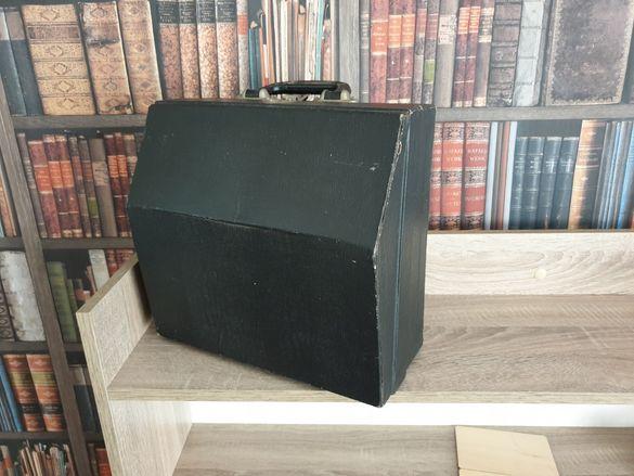 Малък акордеон с куфар