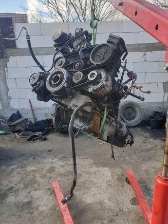 Dezmenbrari BMW seria 5 e60 e46 motor 3.0d