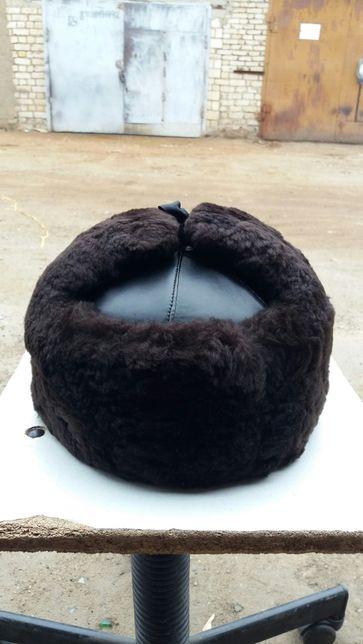 Меховая шапка-каска.