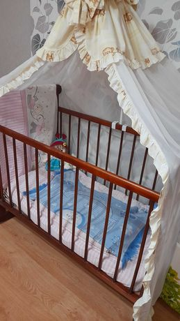 Детская кровать в хорошем состоянии