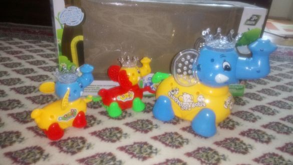 Щастливите слончета - музикална играчка