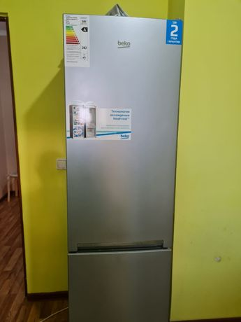 Продам мебель Холодильник шкаф