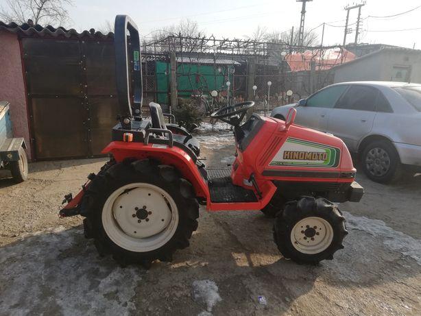Vând tractoras japonez