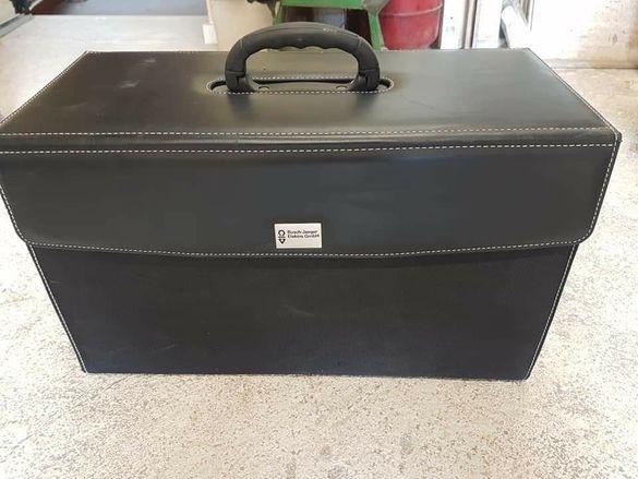 Луксозен куфар за мостри