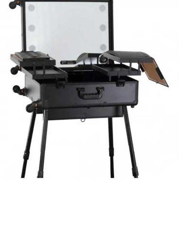 Стол для визажиста передвижной